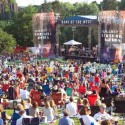 The crowd in front of the 2009 Bank of the West Celebrates America concert