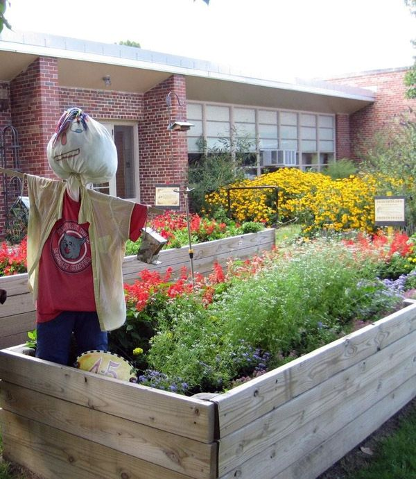 Flower garden at Western Hills Magnet Center