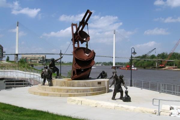 Statue at Lewis & Clark Landing