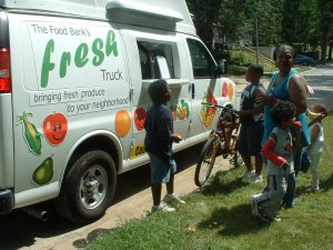 Fresh Truck delivers produce to under-served neighborhood